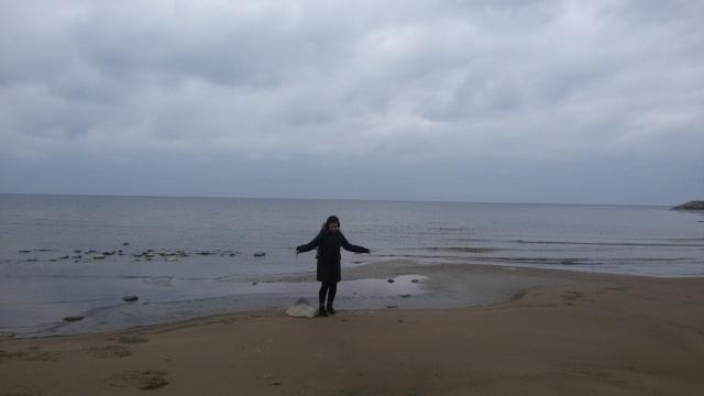 O bom é que eu já tinha aprendido a ir para praia de casaco na Irlanda